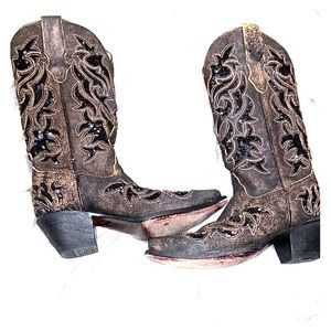 horsetown cowgirl boots!